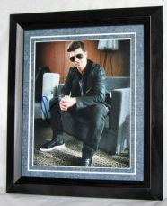A226RT ROBIN THICKE SIGNED Was £42.50 now £35